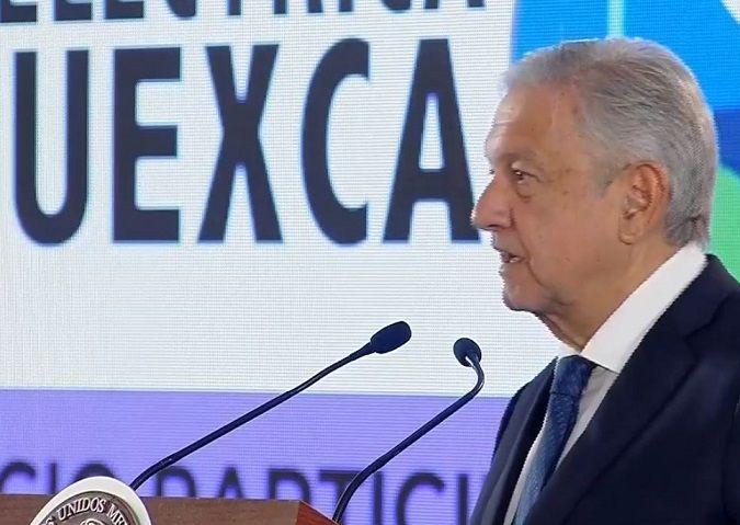 Recordó que la inversión en la construcción de la Termoeléctrica es de más de 25 mil millones de pesos y ésta pertenece a la Comisión Federal de Electricidad; además, habrá de garantizar el suministro de energía eléctrica en Morelos, cuyos habitantes se verán favorecidos con la reducción de las tarifas, apuntó el mandatario