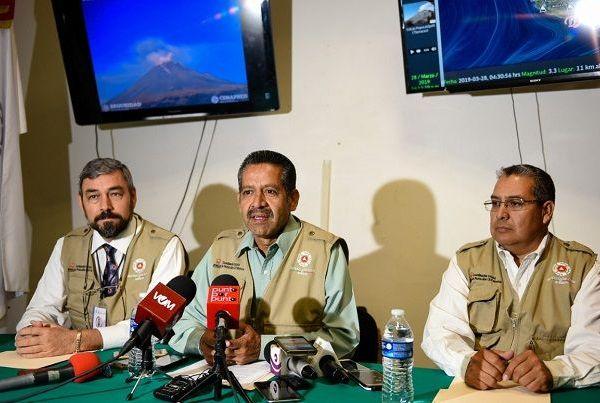 Pedro Enrique Clement Gallardo, titular de la CEPCM, explicó que el proceso de construcción y destrucción de domos del volcán que ha ocurrido en los últimos años, ha mostrado algunos cambios en su naturaleza en las recientes semanas