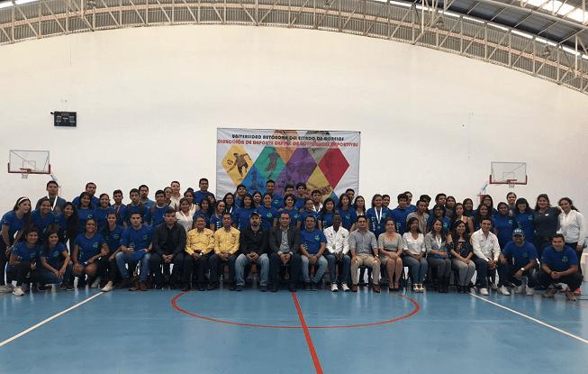 En la ceremonia de clausura se dieron cita diferentes autoridades de la Universidad Autónoma del Estado de Morelos (UAEM), quienes acompañaron a Álvaro Reyna Reyes, encargado del deporte universitario