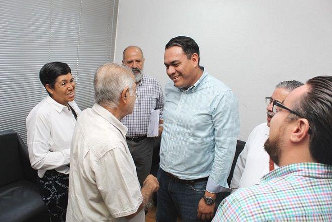 Durante el encuentro estuvo tambien presente el Jefe del Departamento de Estacionamientos y Parquímetros del Municipio de Cuernavaca, Marco Antonio Olvera Benedicto, a quienes los prestadores de servicio les manifestaron algunas inquietudes