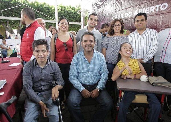 Esto ocurrió durante la celebración del Cabildo Abierto en la Colonia Lagunilla, en donde los participantes dejaron claro su apoyo a los trabajos que lleva a cabo el Ayuntamiento de Cuernavaca en toda la ciudad