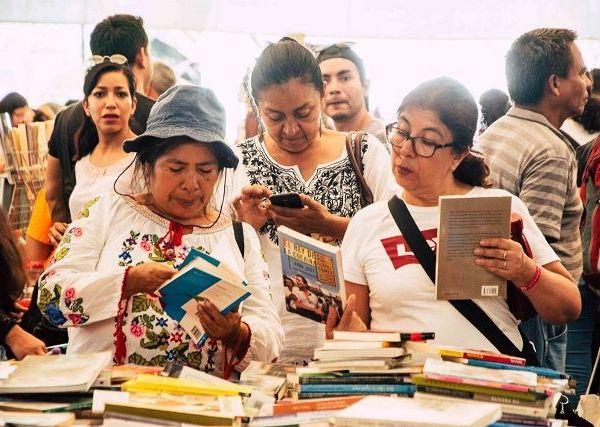 Coordinadamente con la Universidad Autónoma del Estado de Morelos (UAEM), la Brigada para leer en Libertad A.C. y El Colegio de Morelos, estará instalada en Plaza de Armas de Cuernavaca del 14 al 18 de agosto con una amplia variedad de espectáculos artísticos y presentaciones