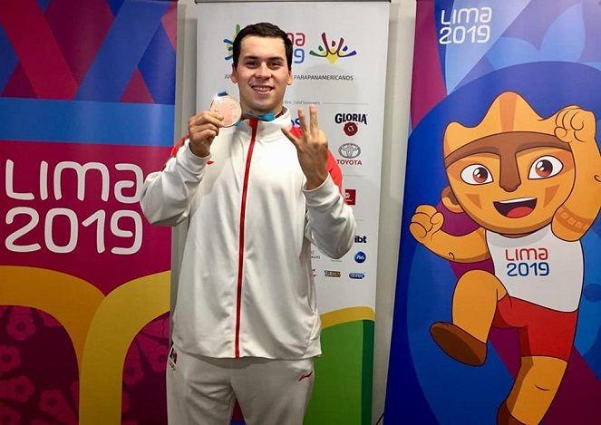 Ricardo Vargas llena de satisfacción al estado de Morelos por su formidable actuación en esta edición de esta gesta deportiva; en el cierre de las actividades de la natación logró terminar con presea de bronce en la prueba de los 1,500 metros libres, demostrando que es el mejor nadador de fondo en México y considerado entre los tres mejores del continente