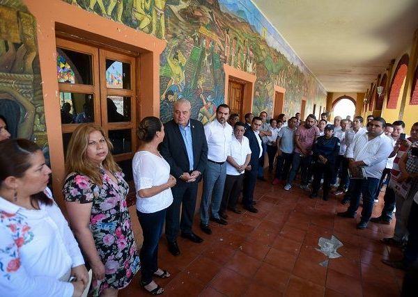 Al reunirse con cada presidente municipal, cabildos y comunidad, Sanz Rivera expresó el interés para seguir trabajando coordinadamente en los tres niveles de gobierno, con la finalidad de recuperar la paz y seguridad que la ciudadanía anhela tener