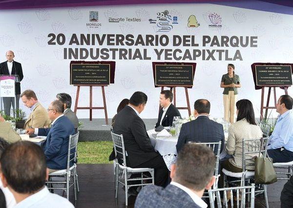 Acompañado de la secretaria de Desarrollo Económico y del Trabajo, Cecilia Rodríguez González, el mandatario acudió a la celebración del 20 aniversario de inicio de operaciones del Parque Industrial Yecapixtla