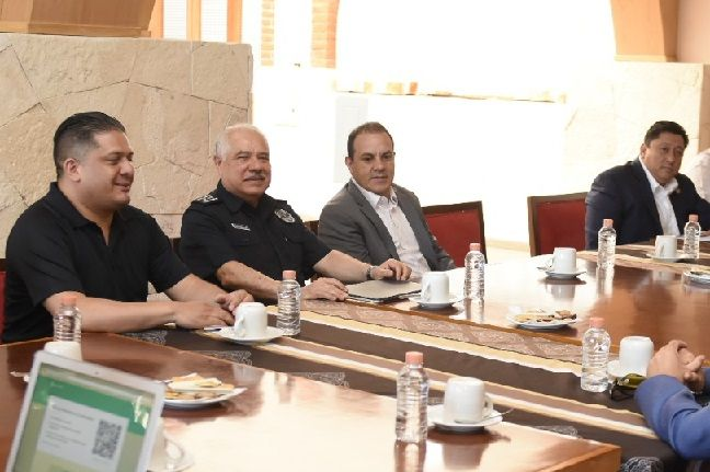 En este encuentro participaron el General Agustín Vallejo Silva, comandante de la 24/a Zona Militar; el comisionado estatal de Seguridad Pública, José Antonio Ortiz Guarneros; el fiscal general del Estado, Uriel Carmona Gándara, así como representantes de la Guardia Nacional