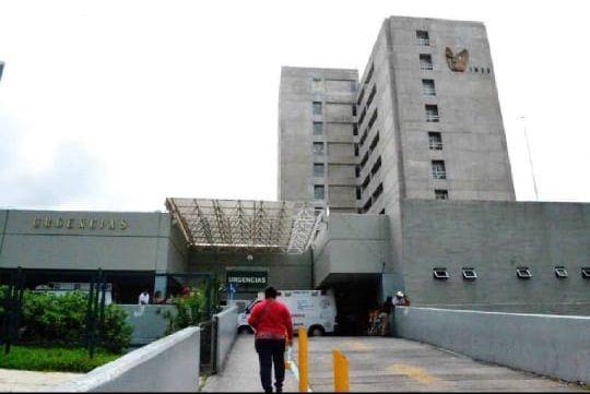 Médicos, que solicitaron guardar anonimato por temor a represalias, informaron que en la clínica 1, situada en la avenida plan de Ayala de Cuernavaca, personal médico y de enfermería dieron positivo a SARS-CoV-2