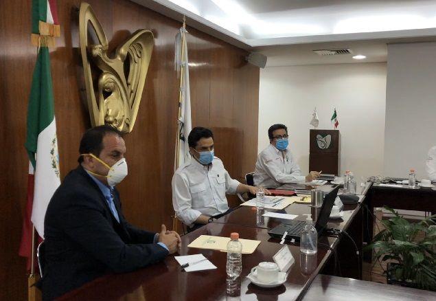 Acordaron suscribir de inmediato la Carta de Adhesión al Convenio Marco para el Intercambio y Atención de Pacientes con Covid-19, en donde participan las secretarías federales de Salud, Defensa Nacional (Sedena) y Marina (Semar); los Institutos de Seguridad y Servicios Sociales de los Trabajadores del Estado (ISSSTE), Mexicano del Seguro Social (IMSS), de Salud Para el Bienestar (Insabi), así como Petróleos Mexicanos (Pemex)