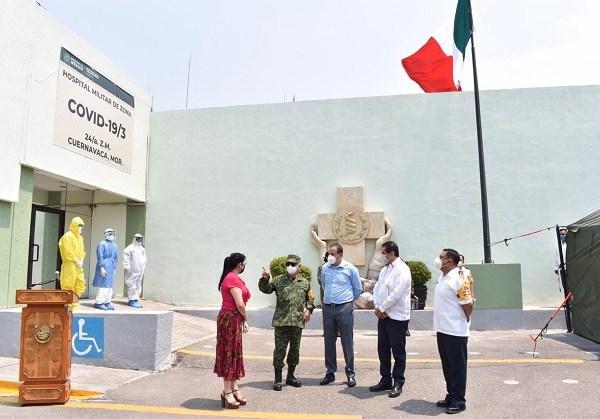 Con la finalidad de complementar las capacidades del Sistema Nacional y Estatal de Salud Pública, el Gobierno de Morelos y la Secretaría de la Defensa Nacional (Sedena) pusieron en marcha oficialmente la operación del Hospital Militar de Zona de Cuernavaca, para atender a pacientes que presenten complicaciones graves a causa del coronavirus Covid -19