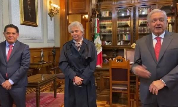 """López Obrador anunció """"un cambio o enroque, pero obviamente republicano: la subsecretaria de Gobernación, Diana Álvarez Maury, ocupará la dirección del Banco del Bienestar y Rabindranath Salazar, actual director de dicho banco, será el nuevo subsecretario de Gobernación"""""""