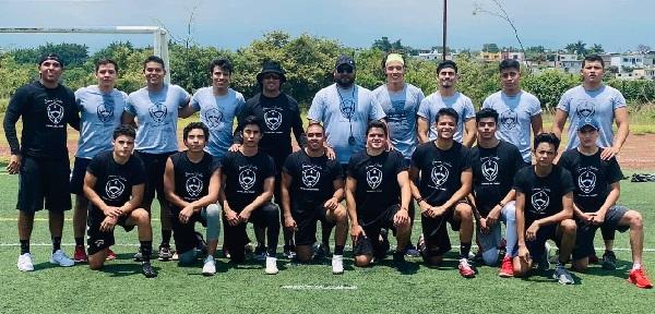 El objetivo de los entrenadores Edgar García y Miguel Godoy es seguir exportando talento a las diferentes universidades con programas de futbol americano en el país, y así los jugadores morelenses puedan beneficiarse de sus cualidades atléticas para su formación académica