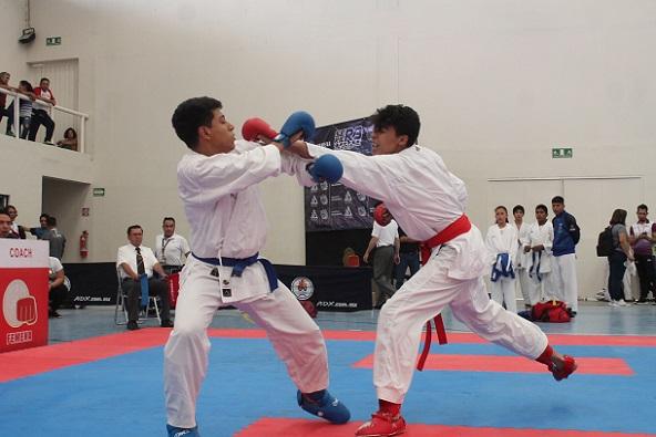 Destacó que se viene una restructuración total en el seno de la Asociación de Karate Do con la aplicación de programas de crecimiento en esta especialidad deportiva con la idea de mantener el crecimiento en sus atletas y sus propios dirigentes quienes son esenciales en la formación y crecimiento de cada uno de ellos