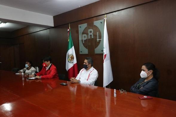 De visita en Morelos, encabezó con el presidente del CDE Jonathan Márquez la primera jornada de capacitación a secretarios del comité sobre la cuestión indígena en el proceso electoral