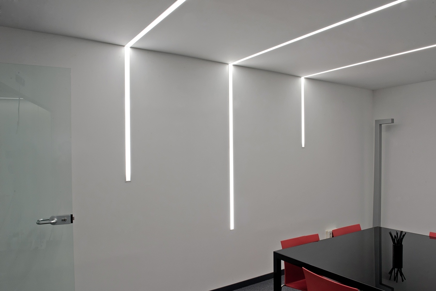 iluminacion interior de oficinas innovadoras  Avanluce