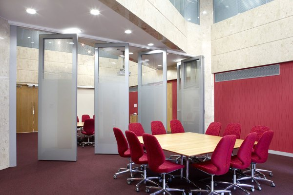 Movable & Hideaway Glass Walls Avanti Systems Usa