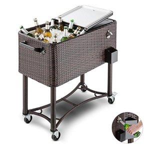 Blumfeldt Springbreak – Bar mobile, glacière frigorifique pour terrasse et jardin, contenance de 80L (décapsuleur et receptacle à capsules, roulettes, vidange facile) – rotin foncé