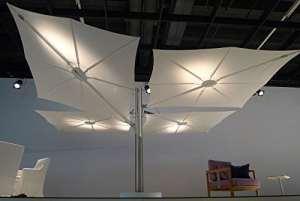 Parasol déporté – Spectra Duo et Multi Carré Multi[4parasols2.5×2.5m] Acrylique Dickson Sunbrella 270g/m2 Orange Aluminium blanc Mât droit (90°)