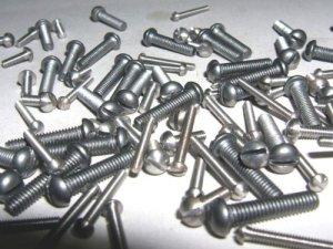Vis en acier rond Têtes 10ba X 1/10,2cm