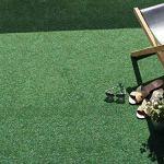 Tapis Gazon Artificiel GREEN avec Picots de Drainage – Vert 1,33m x 2,00m Tapis Type Gazon Synthétique au mètre | Moquette d'extérieur – Balcon, Terrasse, Jardin, etc