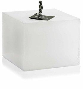 Bougie d'extérieur en forme de cube de l'ivoire 240 x 240 mm