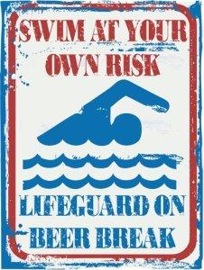 Plaque en métal humoristique « No Brand Swim At Your Own Risk » – Décoration moderne pour piscine