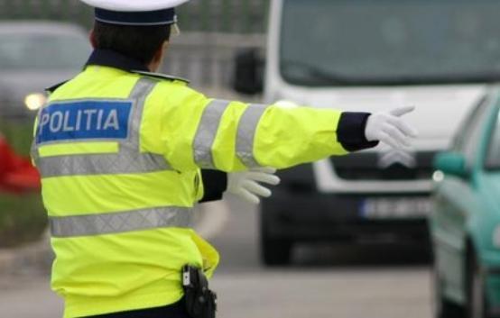 CODUL RUTIER 2018: Polițiștii, înlocuiți de civili la examenul auto, indicatoare pentru radare, creşterea vitezei de deplasare în localităţi, printre modificările propuse