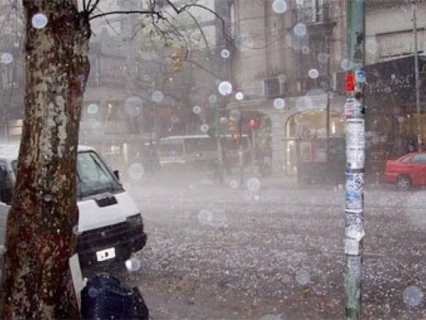 Atenționare METEO: Ploi torenţiale, vijelii şi grindină, până vineri seara, în toată țara