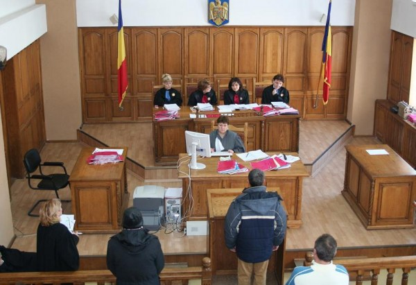 Se asteaptă verdictul în dosarul bătăuşilor