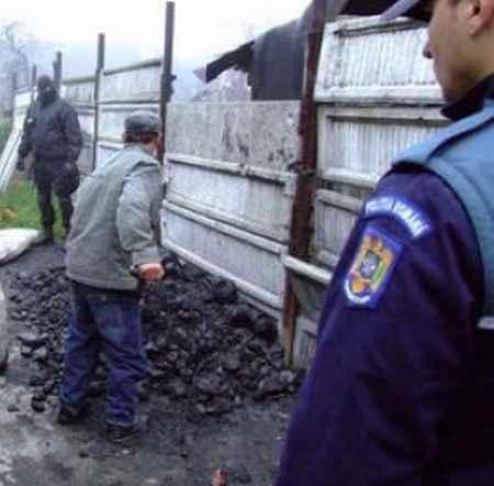 O nouă lovitură dată mafiei cărbunarilor de către polițiștii TF Petroșani