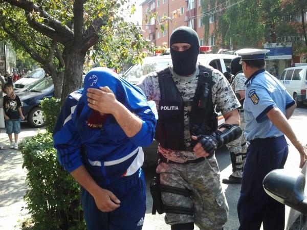 Urmărit naţional prins la Petroșani