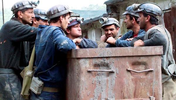 Proiect: Minerii disponibilizați vor putea ieși la pensie dacă au 15 ani vechime. Care sunt acestia