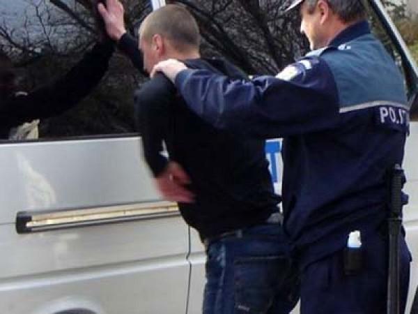 Urmărit general descoperit de polițiștii din Petroșani