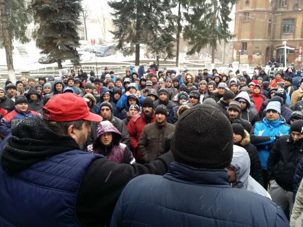 Minerii ameninţă că-şi vor muta protestul în subteran