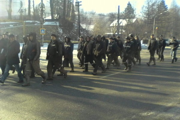 Minerii de la Lupeni vin să protesteze la sediul CEH