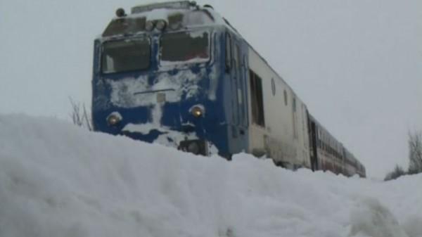 """""""Trenurile Zăpezii"""" opresc la Petroșani"""