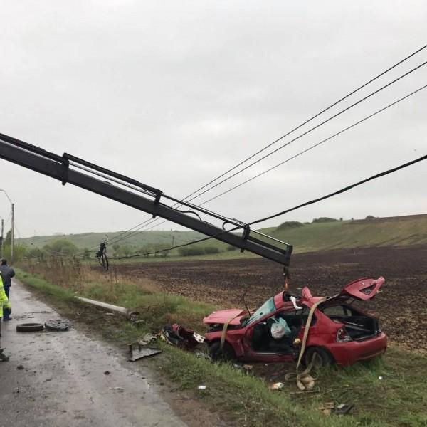 O nouă TRAGEDIE pe şosea. Un tânăr de 21 ani a murit într-un accident produs între DEVA și HUNEDOARA