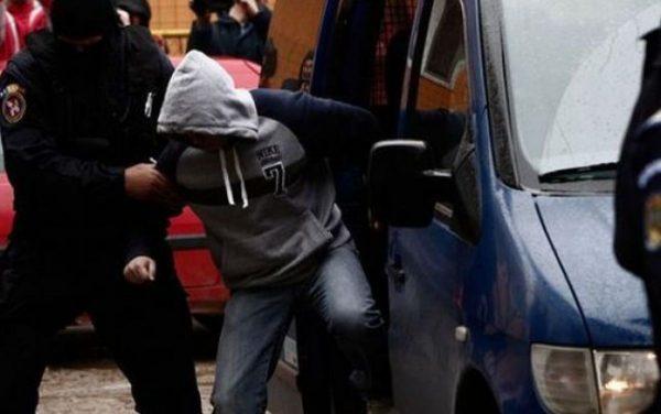 Unul dintre bătăușii din Hațeg, prins de polițiști și dus la pușcărie