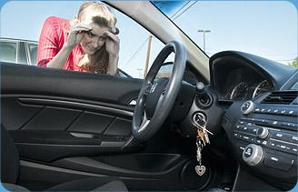 Și-a lăsat mașina descuiată și cu cheile în contact