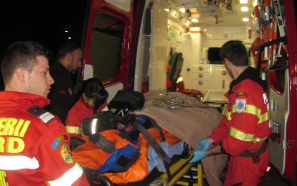 Tânărul rănit în accidentul de tiroliană este în continuare în stare critică