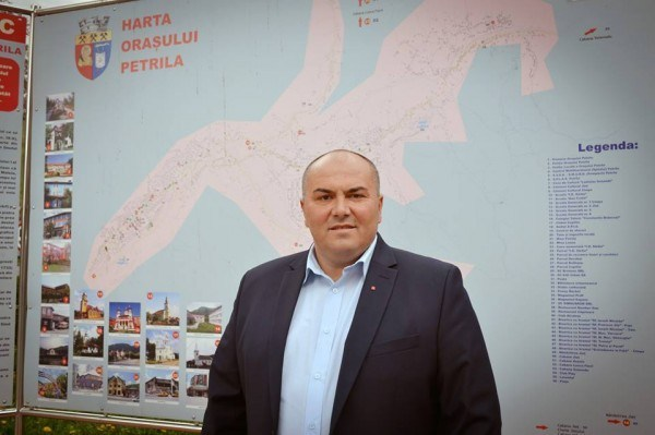 Unde și cum sărbătorește Petrila Ziua Națională a României ?