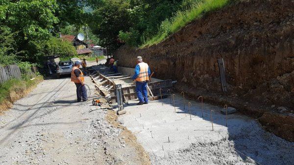 Noul drum de acces spre Straja, pregătit pentru asfaltare