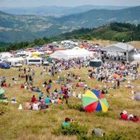Târgul de Fete de pe Muntele Găina 2021 revine după un an de pauză: Când va avea loc cea mai cunoscută sărbătoare populară a românilor