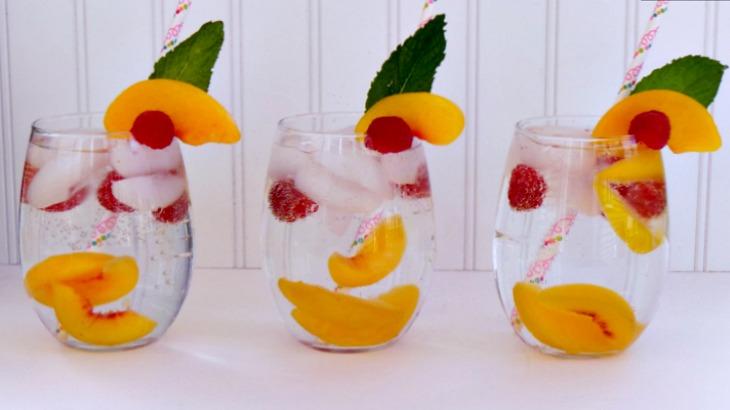 Sparkling White Peach Spritzers