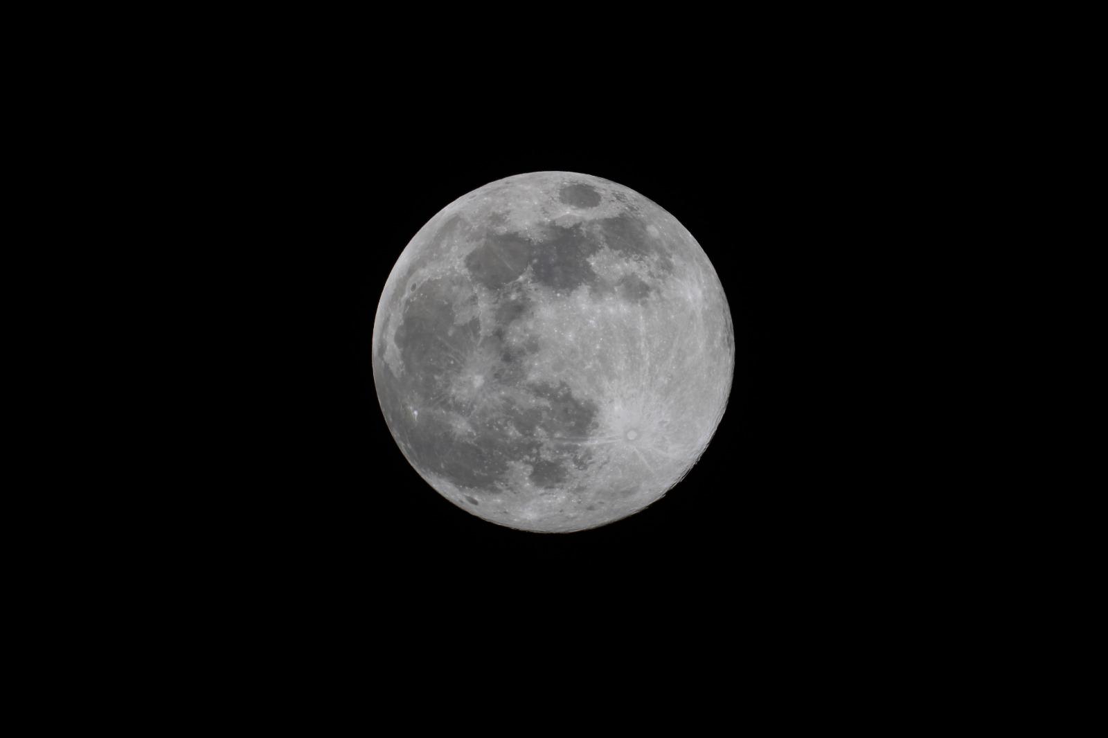200407 - Fusetti Luna Piena Apogeo - Rifrattore 80-600 Conon EOS 2000d