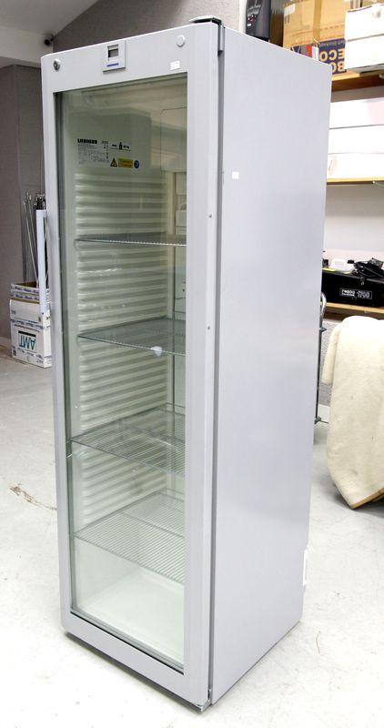 Refrigerateur A Porte Vitree De Marque Liebherr Modele
