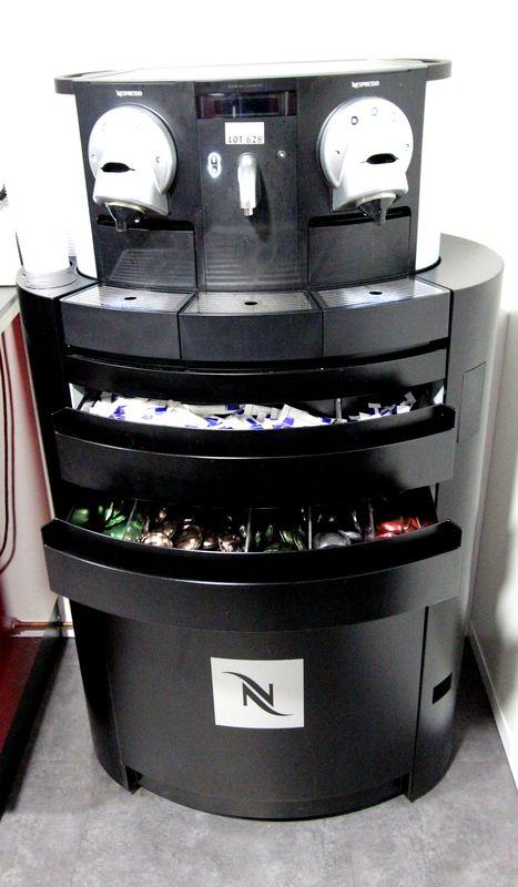 Machine A Cafe De Marque Nespresso Gemini Cs200 Pro Et Son