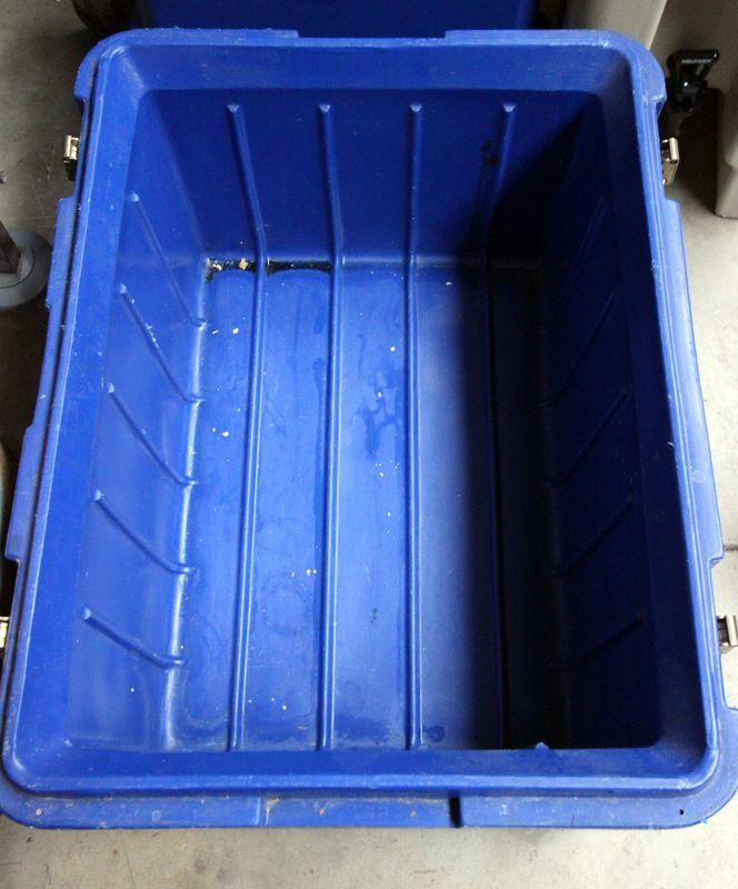 Container Isotherme 55 L De Marque Metro De Couleur Bleue