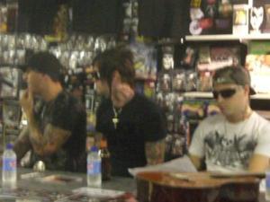 Signing Session Australia 08-2006