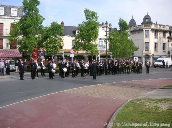 L'Avenir Musique d'Epernay et les Fanfares Royales
