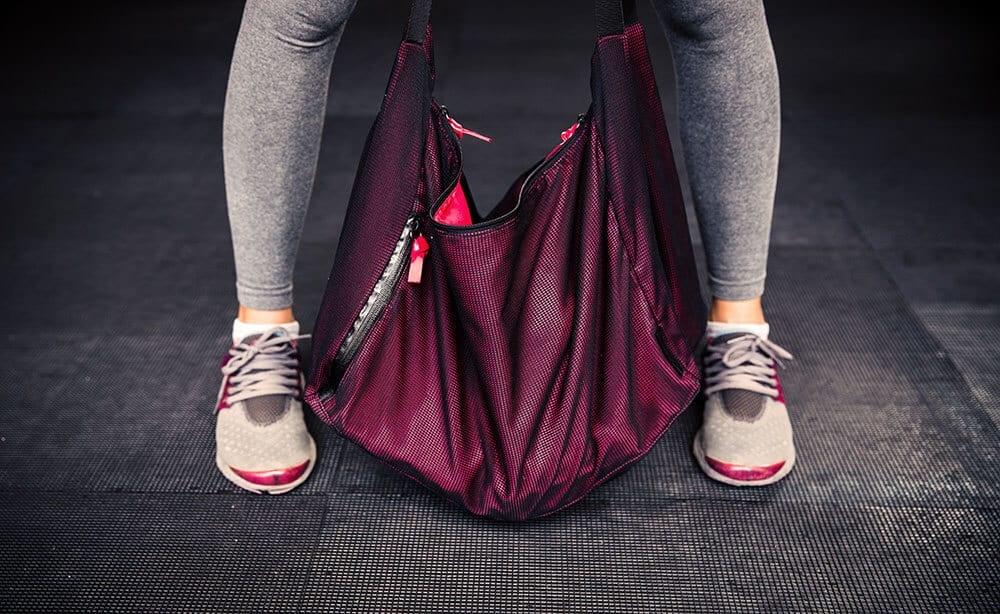 How to Pack a Gym Bag: 11 Gym Essentials You Should Never Go Without | Avenly Lane | Fashion, Beauty + Healthy Living